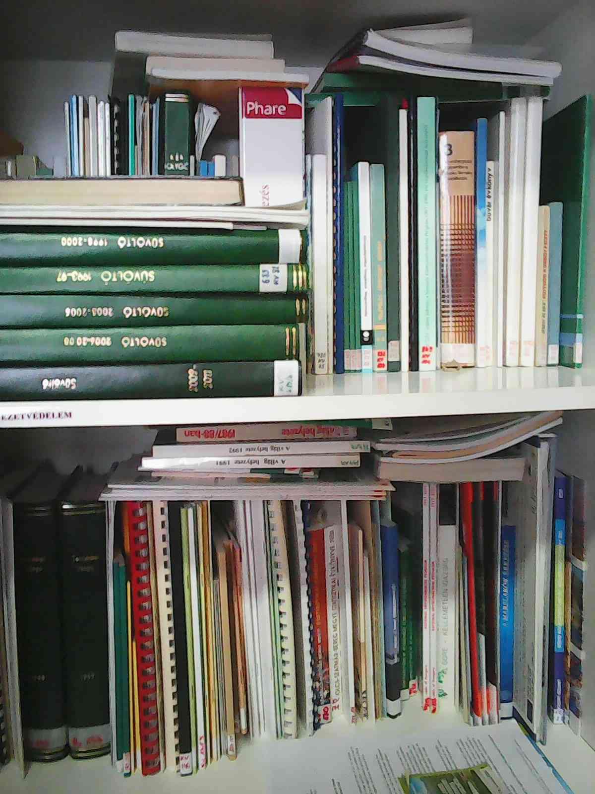 Könyvtár - E-misszió Természet- és Környezetvédelmi Egyesület